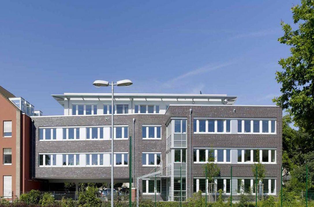 Verwaltungsgebäude für die Wein-Wolf Import GmbH